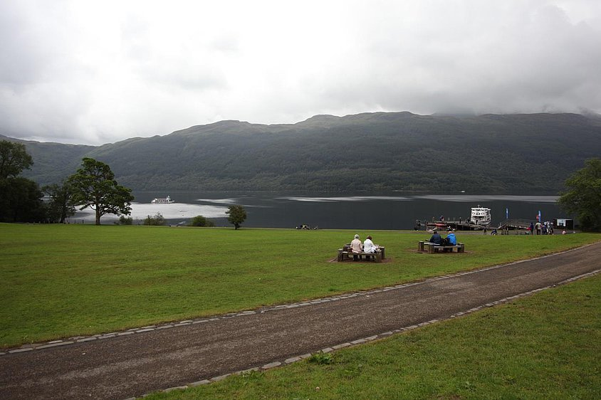 Figure 1. Picnickers at Loch Lomond in Scotland adhere to the structures  provided to them. (Photo: author)
